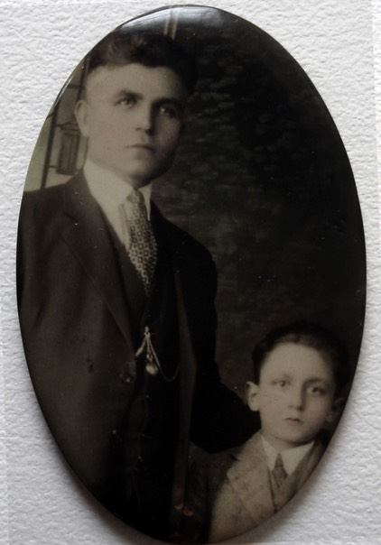 with his father, Frank, in 1922